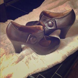 Steve Madden Vintage style Mary Jane heels